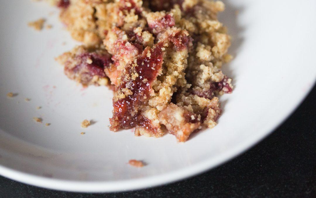 Apple raspberry crumble recipe | Mother Bird blog